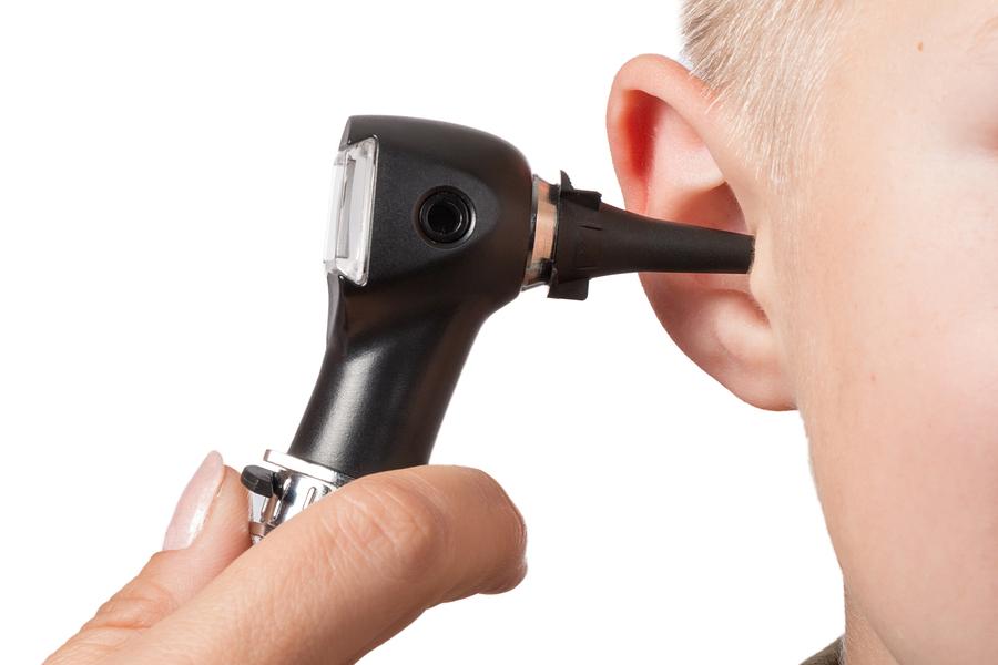 נוזלים באוזניים: אבחון ודרכי טיפול